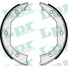 Тормозные колодки ручника LPR 08090